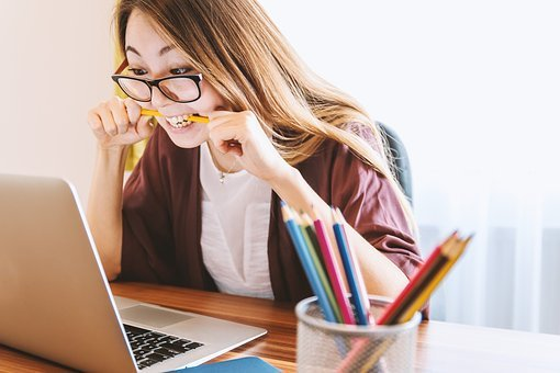 Jak efektywnie pracować z domu?